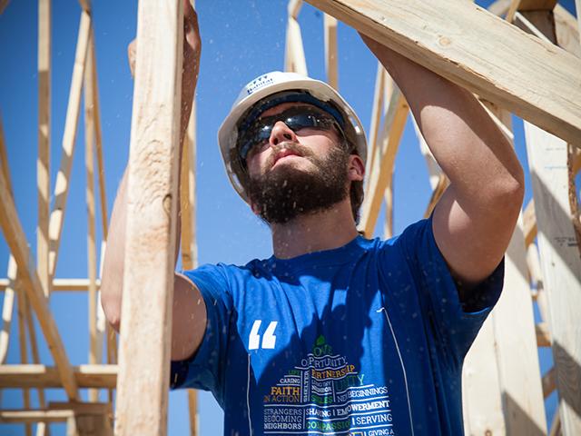 U S Habitat For Humanity Volunteer