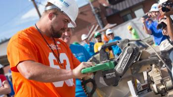Denver Broncos join 'unsung heroes' on build site