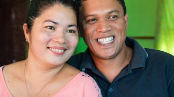 Evangeline and Virgilio rebuilt their house with Habitat Philippines after Typhoon Haiyan.