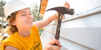 Habitat for Humanity Collegiate Challenge alternative break volunteer