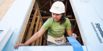 Volunteer Women Build