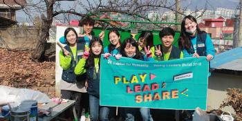 Habitat youth reporters in Korea volunteered to clean and repair homes.