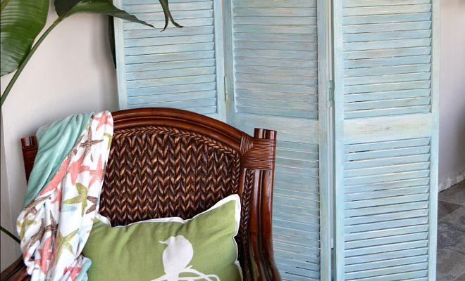 How To Make A DIY Room Divider Out Of Bifold Closet Doors