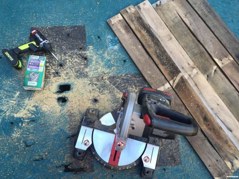 tools to build planter box