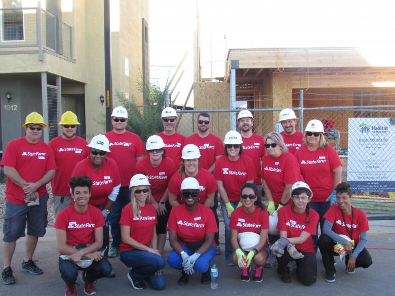 State Farm Habitat volunteers